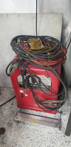 Lincoln Electric Arc Welder.jpg